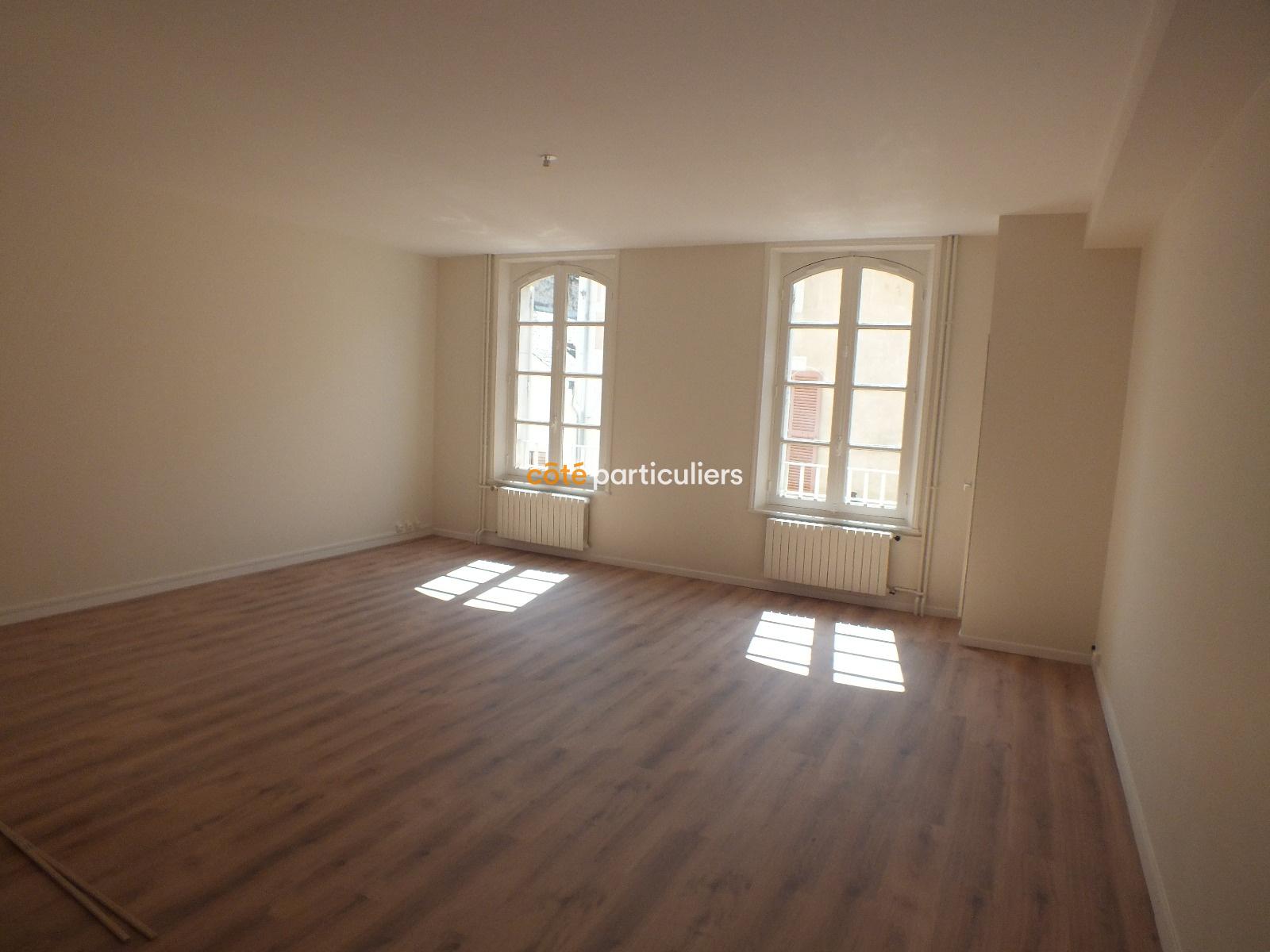 vente montargis centre ville. Black Bedroom Furniture Sets. Home Design Ideas