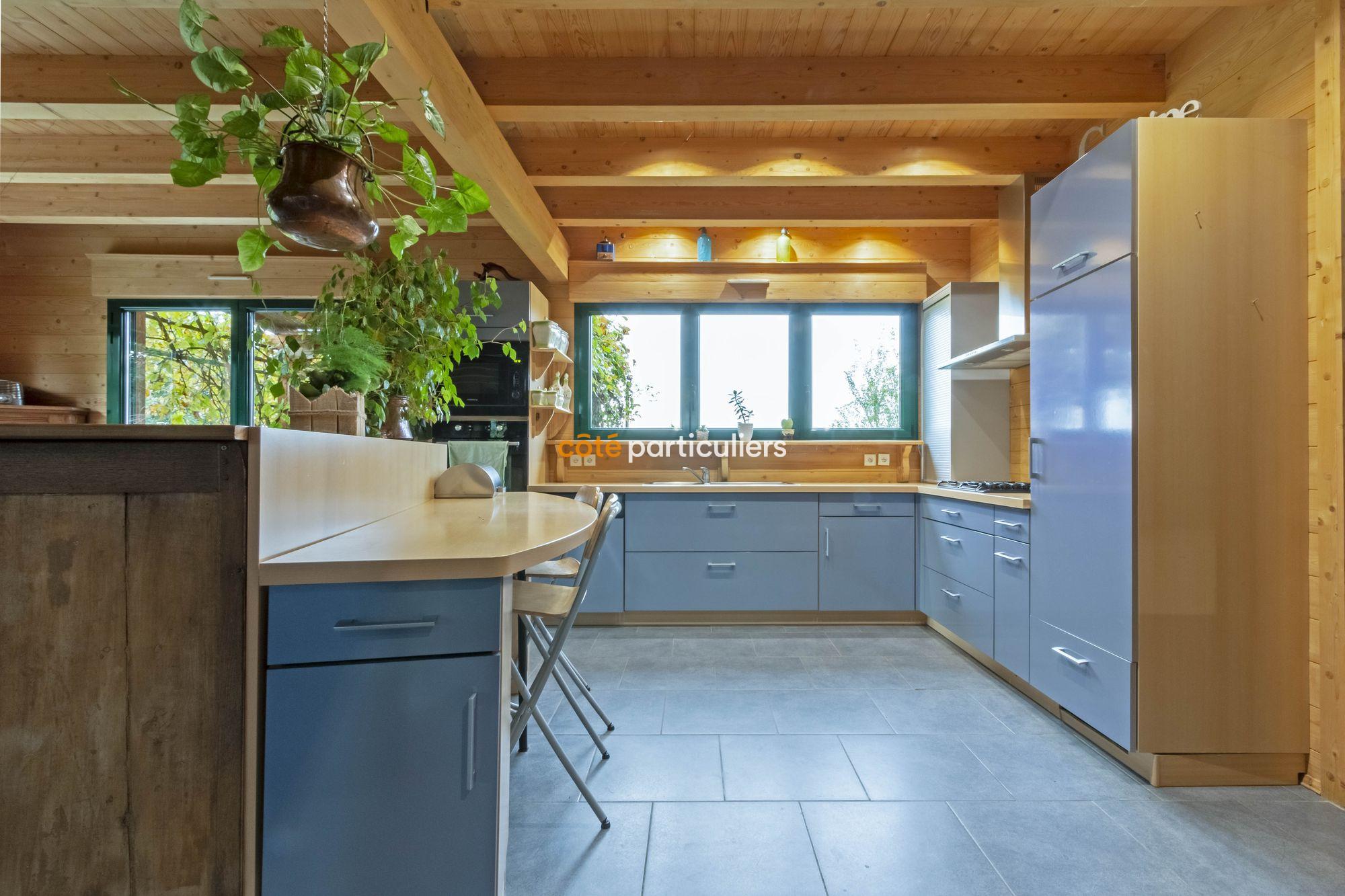 vente Maison semi plein-pied 4 chambres sur 1370 m2 de terrain